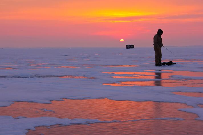ice_fishing_sunset.jpg